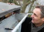 Bautipp: Nach Stürmen alte Dächer prüfen lassen!