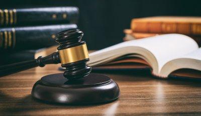 Urteil: Umlage der Gartenpflegekosten auf Mieter unzulässig
